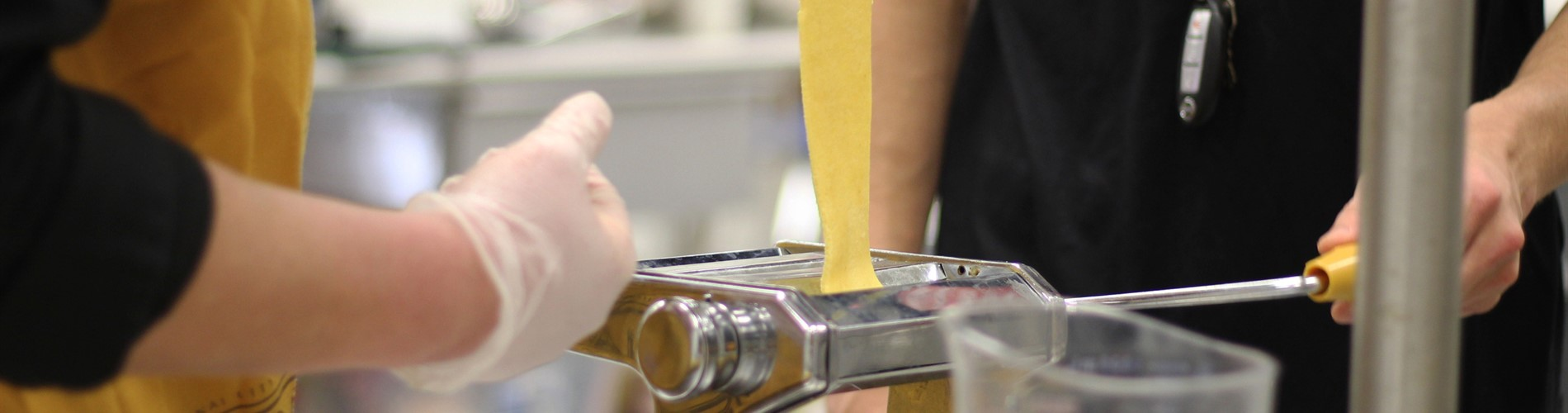 culinary students make pasta